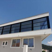 Montenegro'da Yapılan Giyotin Cam Sistemi