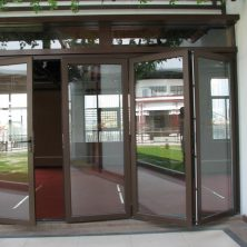 Ahşap Şık Akordeon Kapı