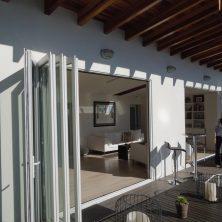 Villa Tipi, Beyaz Şık Akordeon Kapı